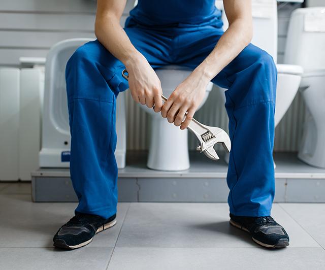 https://www.kurtz-paffrath.de/wp-content/uploads/2021/01/plumber_on_toilet.png